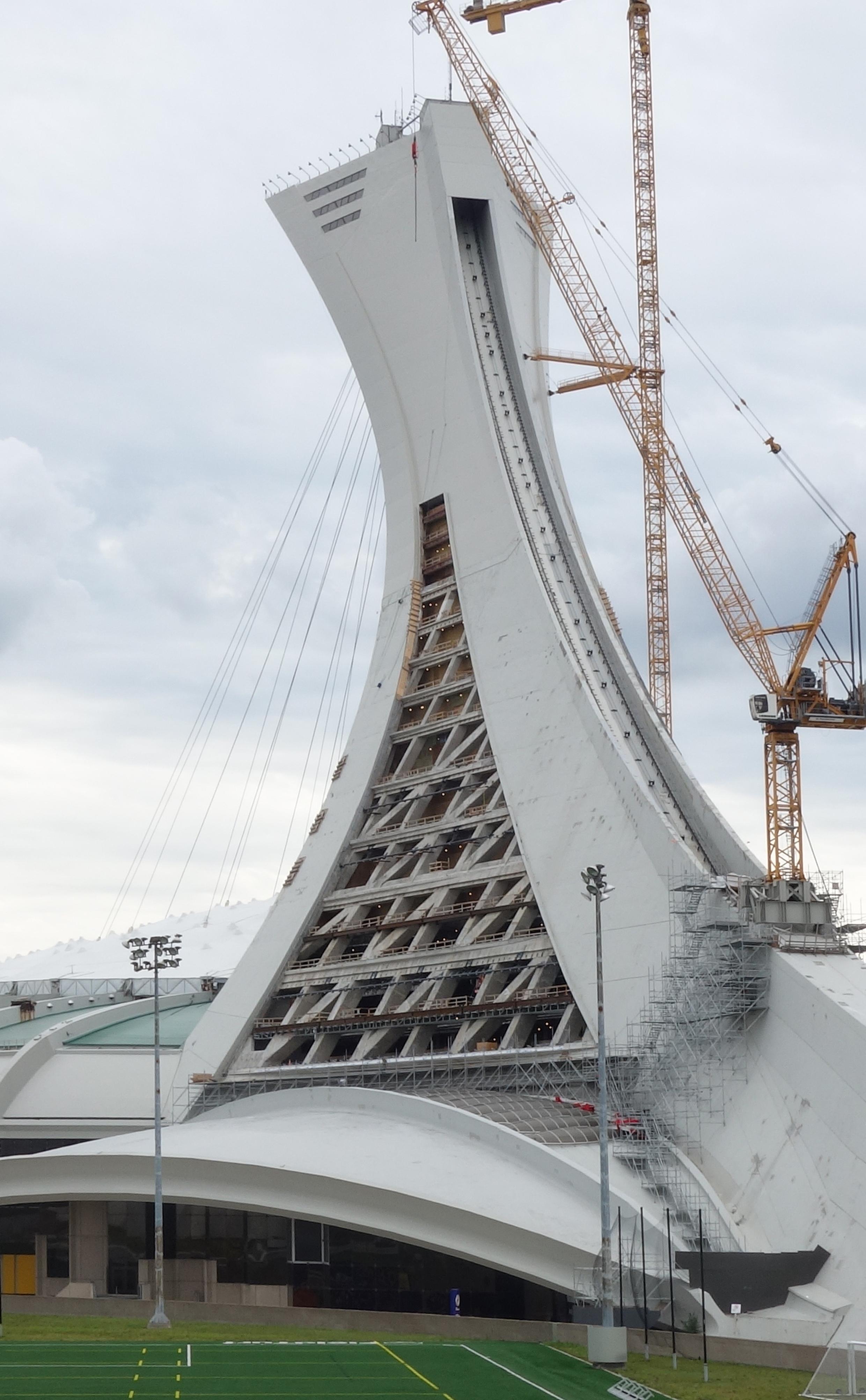 le parc olympique d voile la nouvelle apparence de la tour de montr al parc olympique. Black Bedroom Furniture Sets. Home Design Ideas