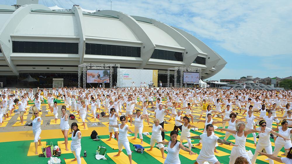 white-yoga